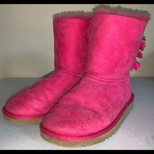 UGG Australia Bailey Bow Boots Short Size 7 Pink